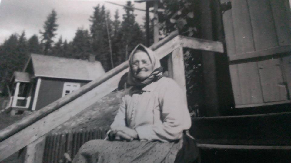 Det här är min farmorsmor Marit. Hon föddes med efternamnet Eriksdotter på Luken den 30/12 1861.